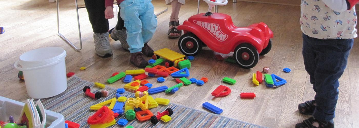 Spielzeug für Kleinkinder gehört dazu.