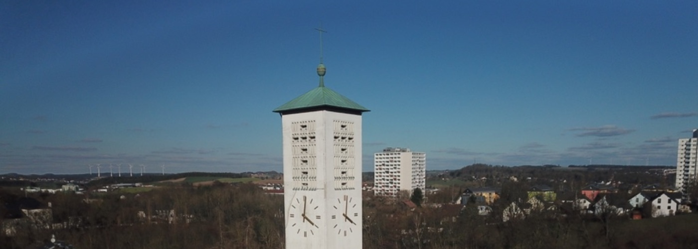 Der Turm der Lutherkirche aus der Luft